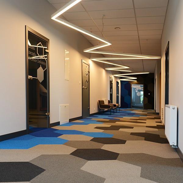 korytarz w biurze 2